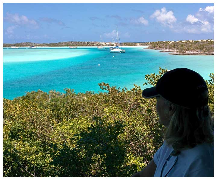 Exuma Park: Neytiri at Anchor