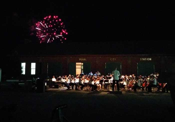 Fireworks and Marti's Concert Over the Mississippi in Muscatine